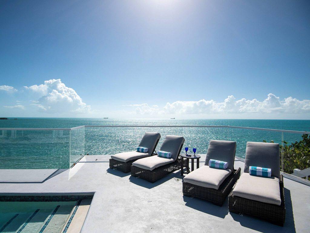 Moonshadow Villa, Vacation Villas in Providenciales