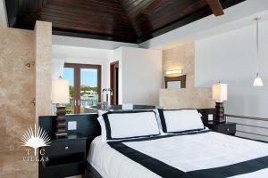 Bedroom : Water Edge Villa - Turks & Caicos villa rentals