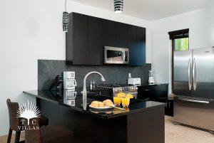 Kitchen : Sea Edge Villa - Turks and Caicos Vacation rentals